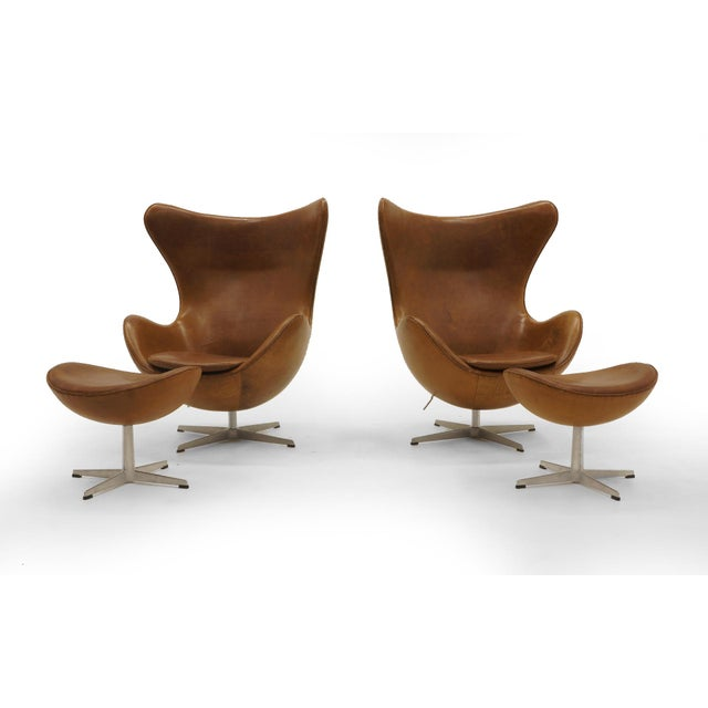 Pair of Arne Jacobsen Egg Chairs With Ottomans for Fritz Hansen, Cognac Leather For Sale - Image 9 of 9