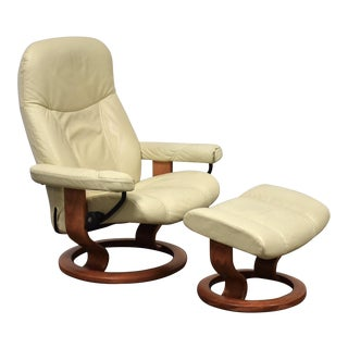 White Cream Leather Ekornes Recliner Lounge Chair and Ottoman For Sale