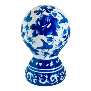 Seymour Mann 'China Blue' Hand Painted Porcelain Ball Decór For Sale