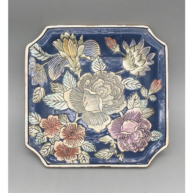 20th Century Chinoiserie Blue and Pink Floral Vide Poche/Catchall Dish For Sale In Houston - Image 6 of 6