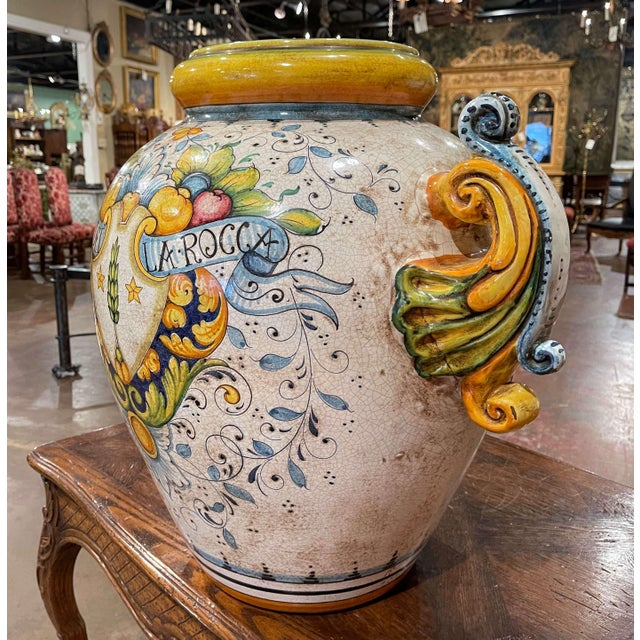 Italian Mid-20th Century Italian Hand Painted Ceramic Cache Pot With Crest Motifs For Sale - Image 3 of 13