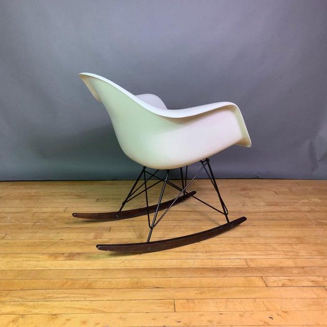 """Charles & Ray Eames """"Rar"""" Rocker, Herman Miller For Sale In New York - Image 6 of 11"""