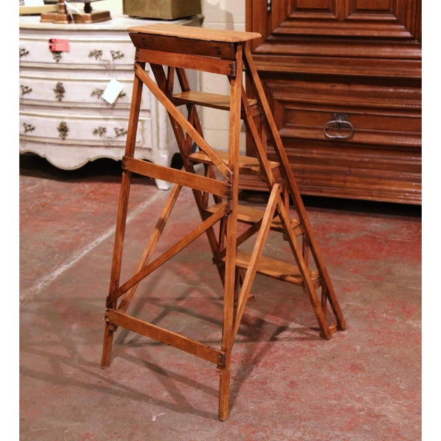 19th Century French Napoleon III Carved Walnut Folding Library Five-Step Ladder For Sale In Dallas - Image 6 of 10