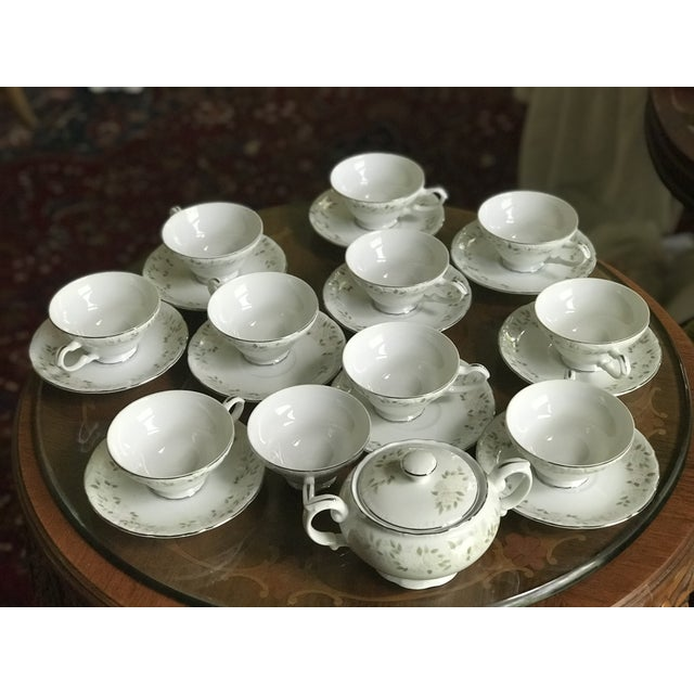 Ceramic Classy ,Vintage Sheffield Fine China Classic 501 ,Reduced Set for 11 For Sale - Image 7 of 11