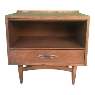 Mid Century Modern Single Drawer Nightstand Sculptra by Broyhill For Sale