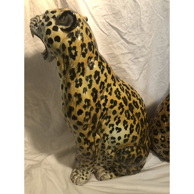 Large Hollywood Regency Italian Terracotta Glazed Leopards a Pair For Sale - Image 4 of 7