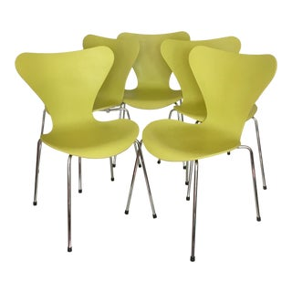Arne Jacobsen Series 7 Butterfly Chairs for Fritz Hansen Danish Mid Century Modern - Set of 4 For Sale