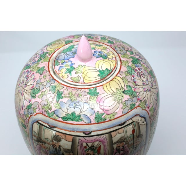 Vintage Hand-Painted Chinese Family Temple Jar For Sale In Tampa - Image 6 of 12