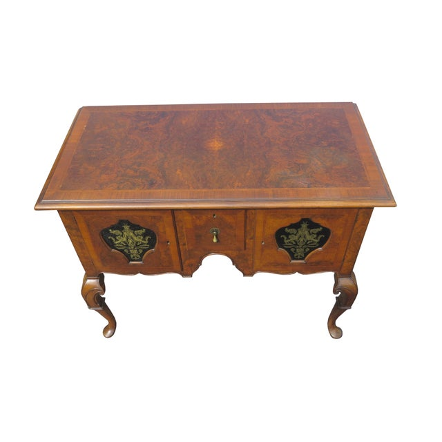 Queen Anne 1920s Chippendale Tobey Furniture Company Walnut and Burl Lowboy For Sale - Image 3 of 13