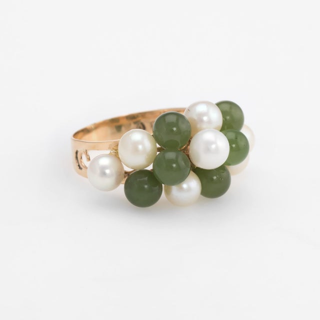 Modern Vintage Jade Cultured Pearl Ring 14 Karat Yellow Gold Estate Fine Jewelry For Sale - Image 3 of 8