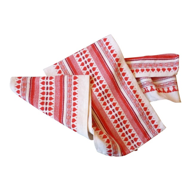 Red and White Table Runner - Image 1 of 6