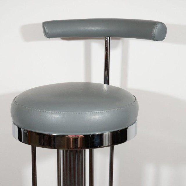 1970s Set of Three Mid-Century Modern Chrome and Dove Gray Swivel Bar Stools For Sale - Image 5 of 8