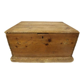 19th Century English Pine Trunk For Sale