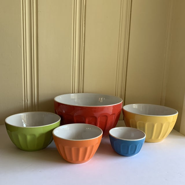 Bold colorful set of five nesting bowls for every occasion. Mixing, storage and serving. Fantastic, like new condition.