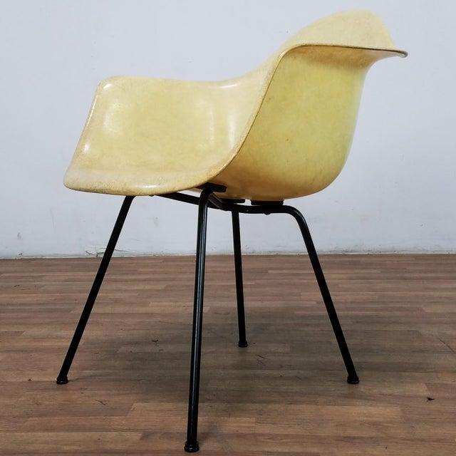 1950s Danish Modern Charles & Ray Eames for Zenith Plastics Fiberglass Chair For Sale - Image 13 of 13