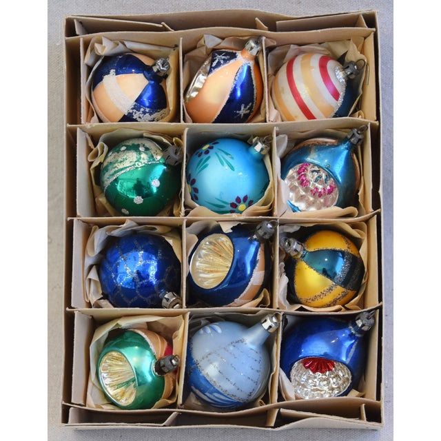 Adirondack Midcentury Vintage Colorful Christmas Tree Ornaments W/Box - Set of 12 For Sale - Image 3 of 9