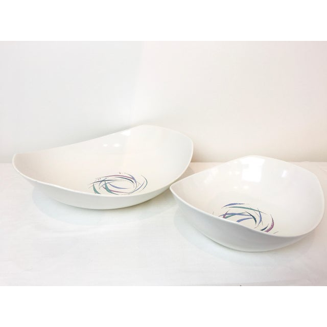 White Vintage 1950s Raymor Universal Sans Souci Pattern Serving Platters & Bowls Set, 7 Pieces For Sale - Image 8 of 10