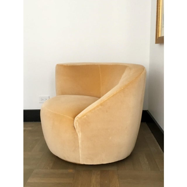 Vladimir Kagan for Directional Nautilus Swivel Chair Upholstered in Kravet Gold Velvet For Sale - Image 5 of 5