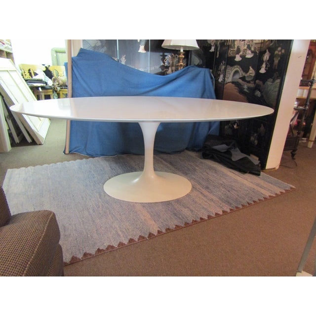 Mid-Century Modern Authentic VIntage Knoll Saarinen Oval Tulip Base Dining Table For Sale - Image 3 of 7