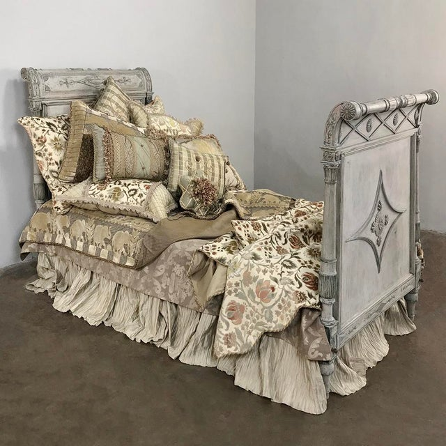 Neoclassical 19th Century Painted Directoire Day Bed For Sale - Image 3 of 13