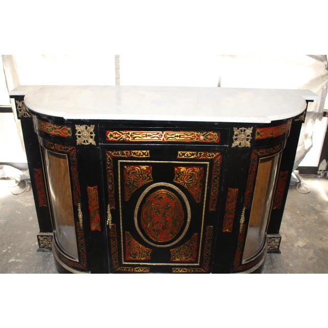 20th Century Louis XVI Boulle Glass Door Cabinet With Marble Top For Sale - Image 4 of 9