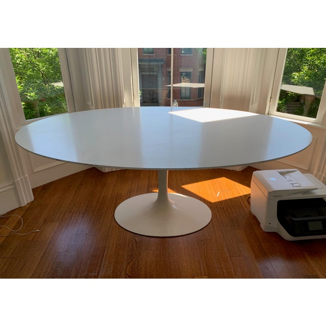 Beautiful, well kept oval saarinen tulip table. Comfortably sits 6. A wonderful, iconic piece, we just no longer have...