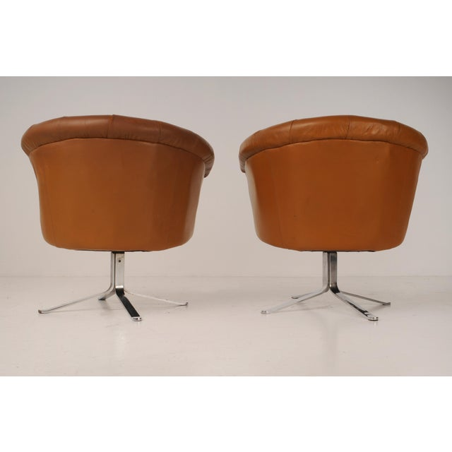 Mid-Century Modern Tufted Swivel Chairs in Carmel Leather by Nicos Zographos - A Pair For Sale - Image 3 of 12