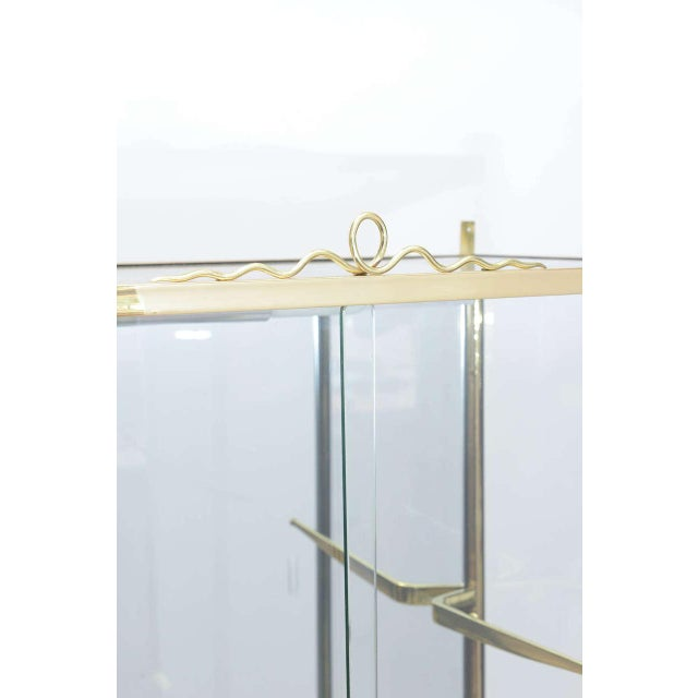 Brass and Glass Vitrine in the Manner of Osvaldo Borsani For Sale In Miami - Image 6 of 10