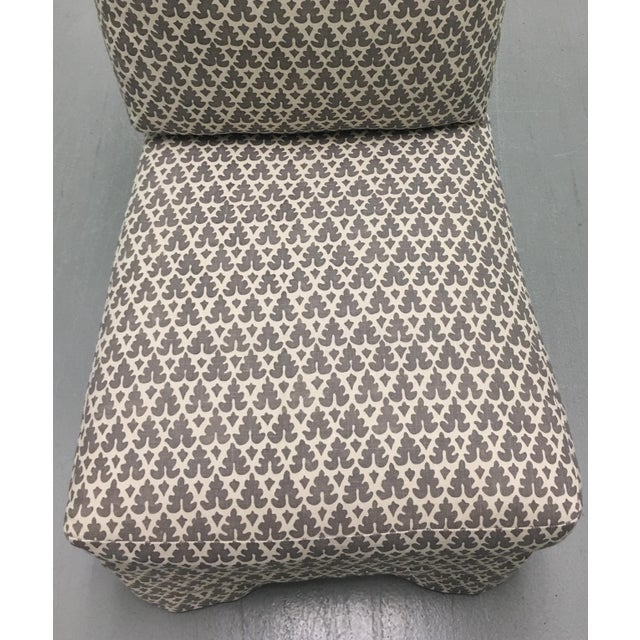 Linen Donghia Billy Baldwin Style Quadrille Upholstered Slipper Chairs - a Pair For Sale - Image 7 of 8