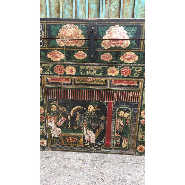 Wood Antique Early 20th Century Chinese Floral Trunk For Sale - Image 7 of 10