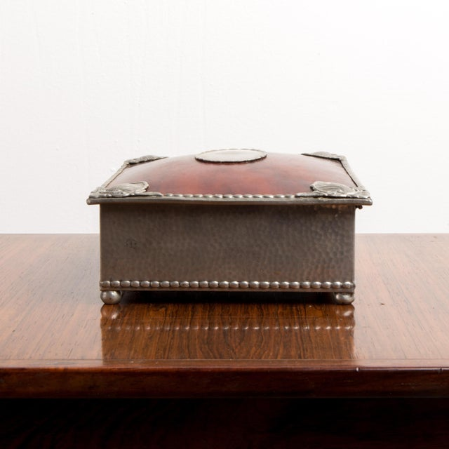 French 1950s French Jewelry Box For Sale - Image 3 of 9