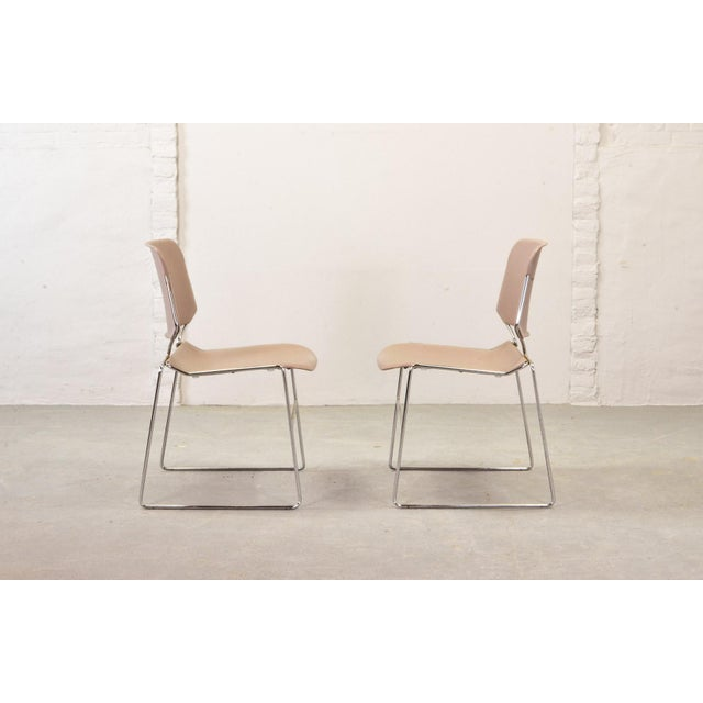 Contemporary Set of Seven Mid-Century Muted Pink Stackable Dining Chairs by Thomas Tolleson for Matrix Krueger, Usa, 1970s For Sale - Image 3 of 13