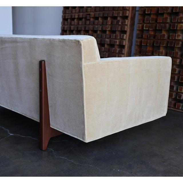 Mid-Century Modern Edward Wormley for Dunbar Bracket Back Sofa, Circa 1955 For Sale - Image 3 of 13