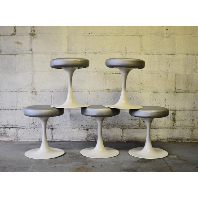 Contemporary Mid Century Modern Vintage Knoll Style Tulip Stool(s) France For Sale - Image 3 of 7