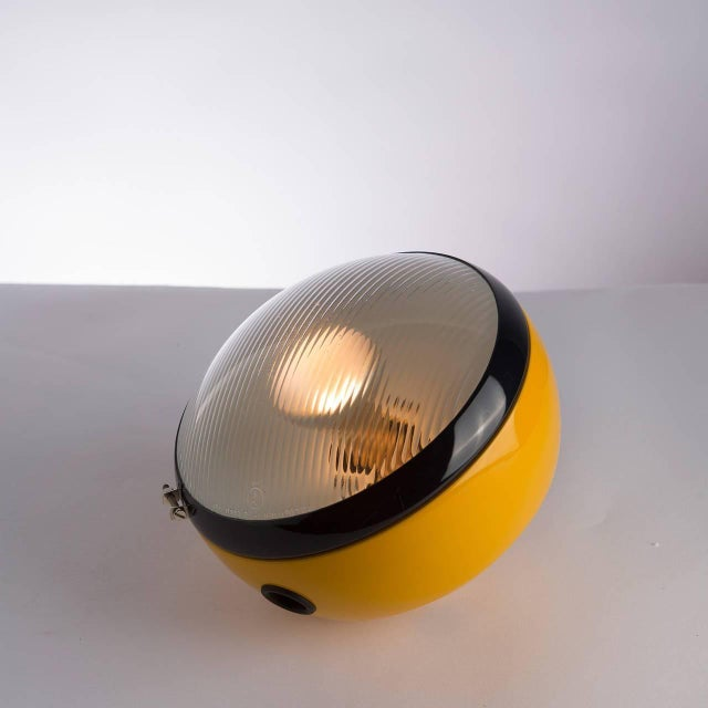 "Lumenform ""Bowling"" Table Lamp by Leonardi and Stagi for Lumenform For Sale - Image 4 of 9"