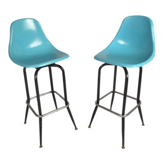 Mid-Century Modern Swivel Bar Stools For Sale