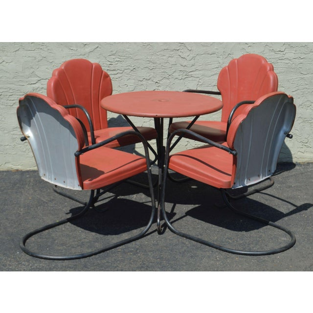 Quality Vintage Painted Metal Round Patio Table with 4 Outdoor Metal Chairs