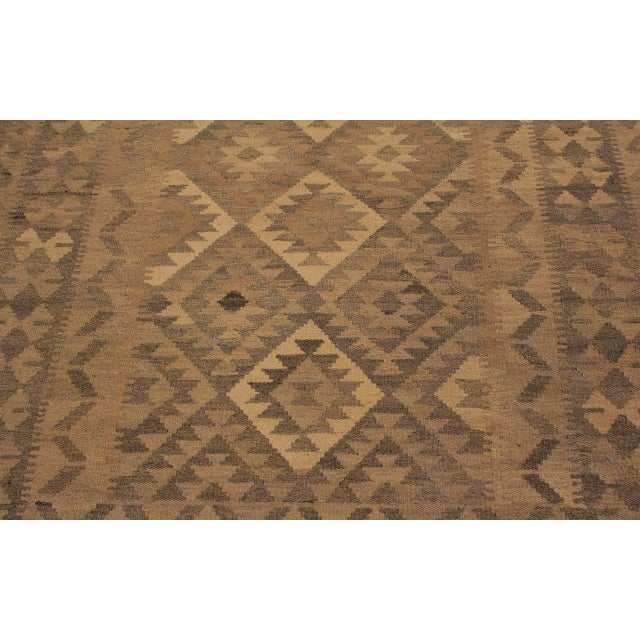 Textile Uriela Gray/Brown Hand-Woven Kilim Wool Rug -4'3 X 5'10 For Sale - Image 7 of 8