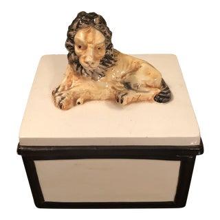Vintage Mottahedeh Lion Lidded Box For Sale