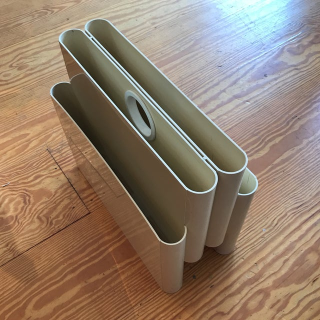 Mod Magazine Rack by Giotto Stoppino for Kartell For Sale In New York - Image 6 of 8