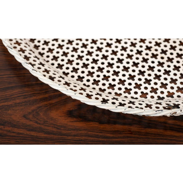 Mid-Century Modern Round Serving Tray by Mathieu Mategot in Enameled Perforated Steel, France 1950s For Sale - Image 3 of 7