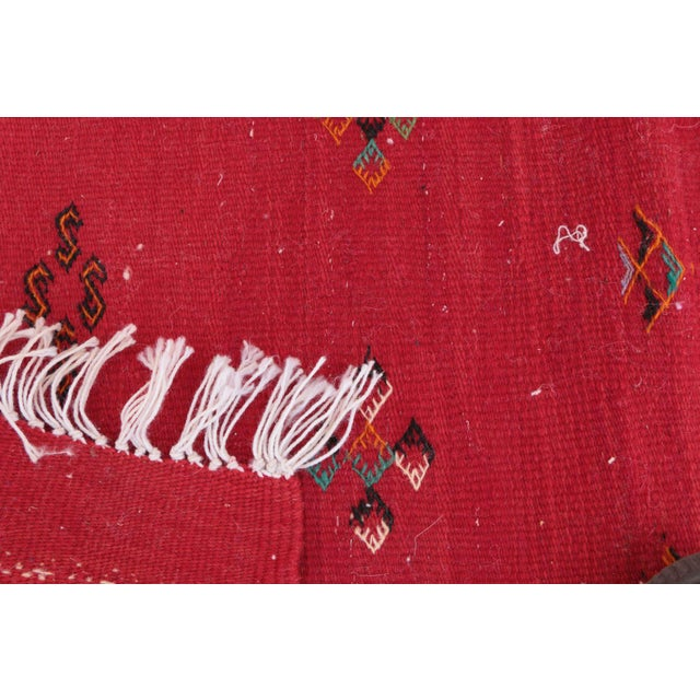 """Aknif Moroccan Rug - 2'3"""" x 3'3"""" For Sale - Image 4 of 4"""