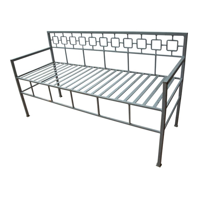 Dorothy Draper 1940s Hollywood Regency Style Iron Settee For Sale - Image 4 of 4