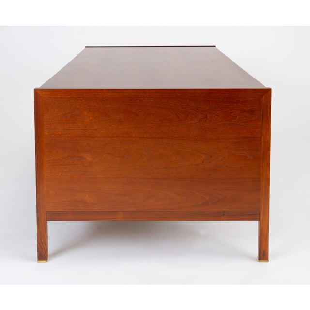 1950s Edward Wormley for Dunbar Walnut Executive Desk With Rosewood and Brass Details For Sale - Image 5 of 13