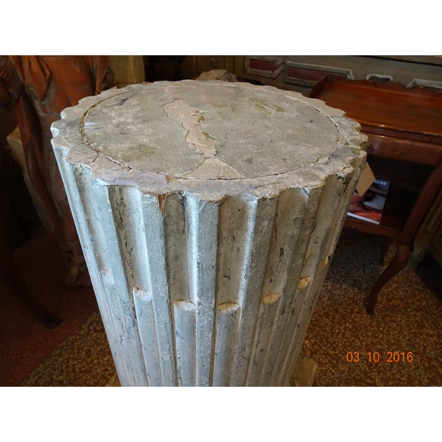 Vintage French Fluted Wood Pedestal For Sale In New Orleans - Image 6 of 10