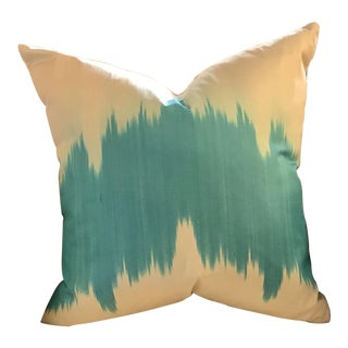 Ikat, Hand-Made Silk Pillow in Turquoise Blue/ Off-White, Made in Uzbekistan For Sale