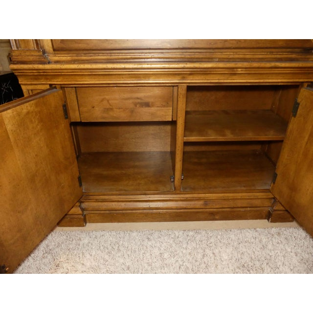 Lexington Furniture Southern Living Lighted China Cabinet For Sale In Miami - Image 6 of 11
