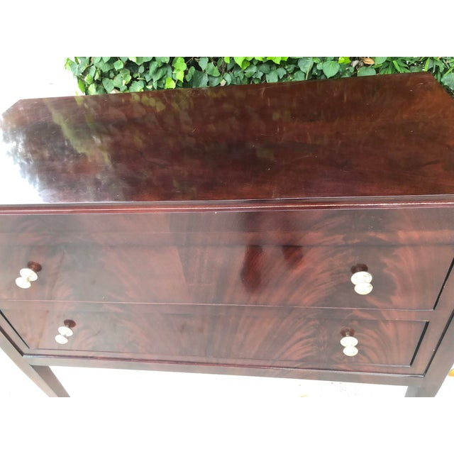 Contemporary Thomas O'Brien for Hickory Chair Co. Mahogany Two Drawer Hall Chest For Sale - Image 3 of 7
