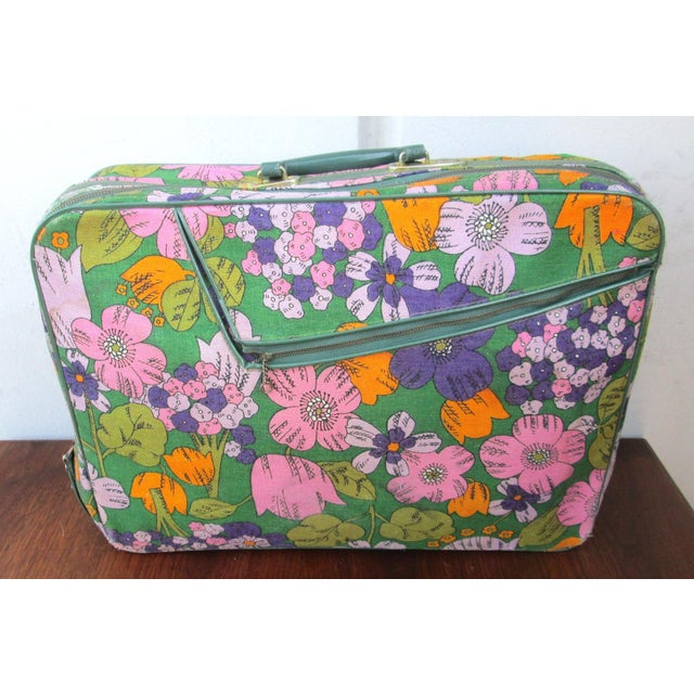 Vintage 60's Floral Fabric Overnight Suitcase - Image 2 of 7