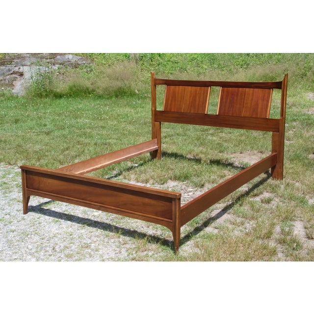 Vintage Mid Century Modern Walnut Kent Coffey Town House Double Full Bed Frame For Sale - Image 9 of 13